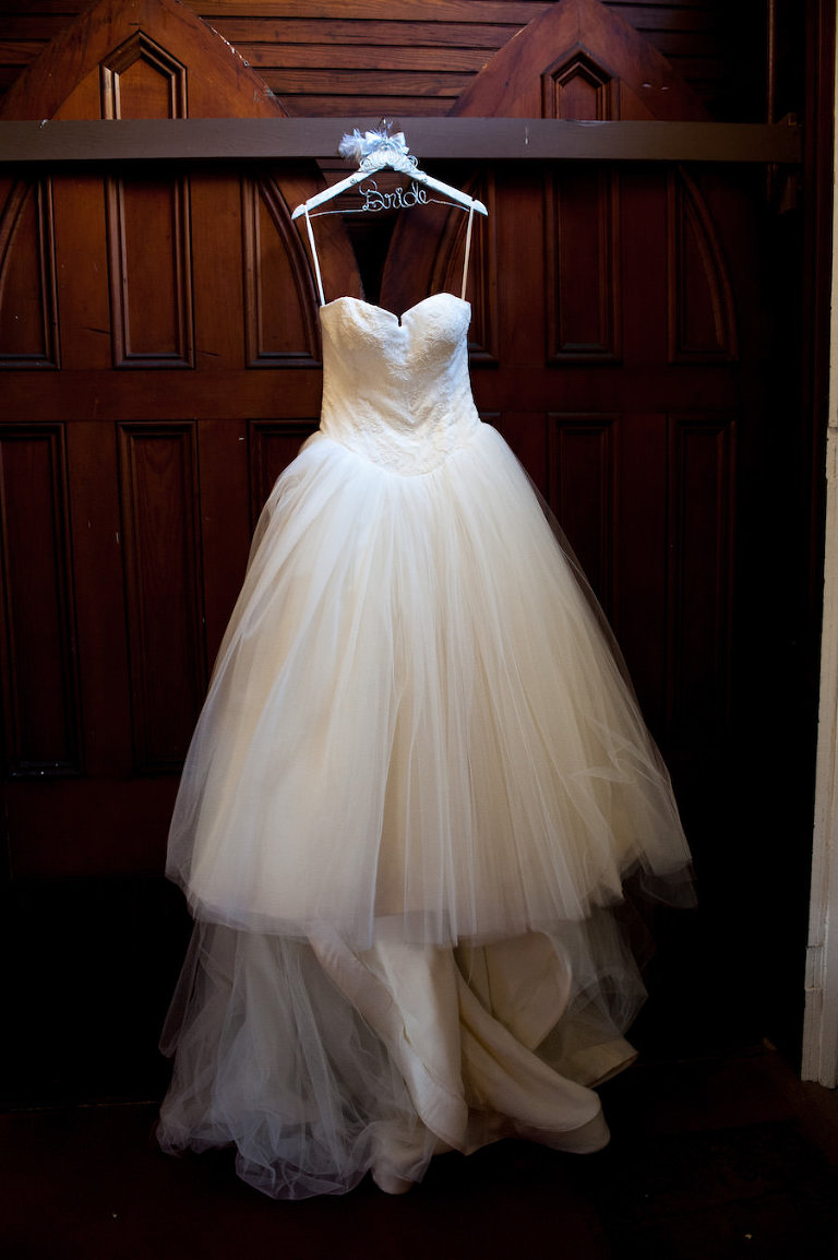 Ivory, Strapless, Tulle Vera Wang Wedding Dress