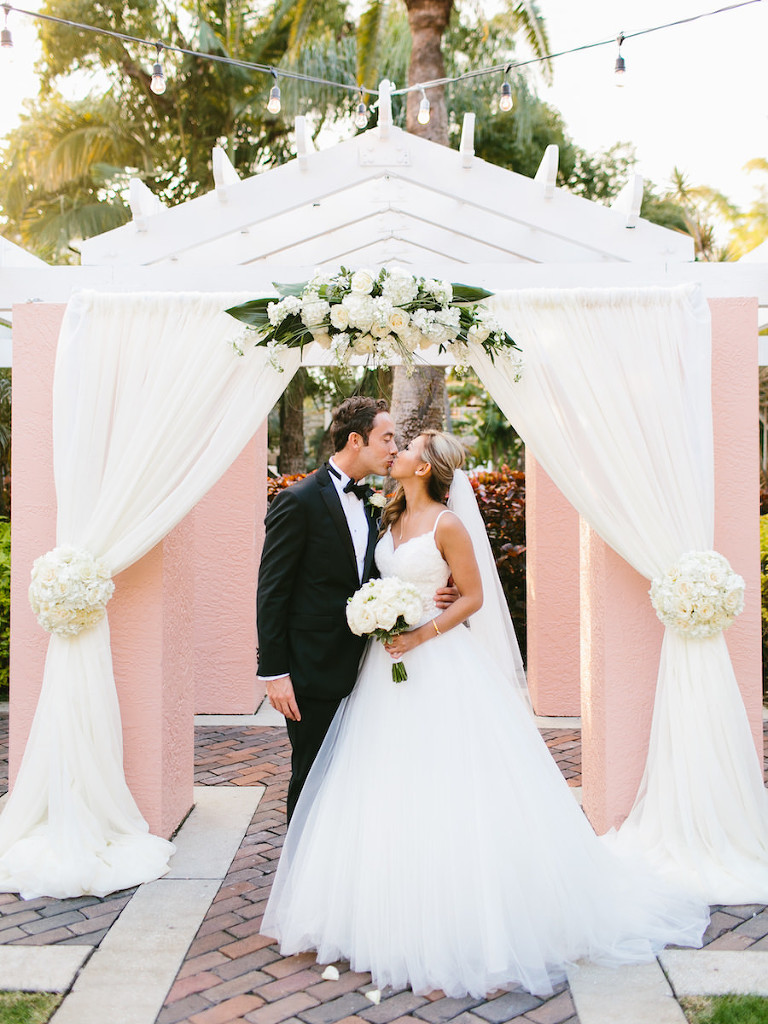 Classic Outdoor Wedding Ceremony at St. Petersburg Wedding Ceremony Venue The Vinoy Renaissance