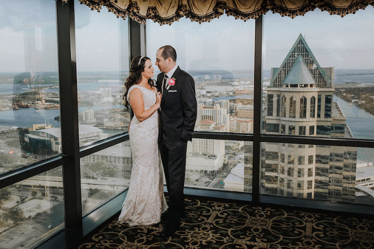 Bride and Groom Wedding Portrait with City Skyline View | Downtown Tampa Wedding Photographer Rad Red Creative | Private Event Venue The Tampa Club