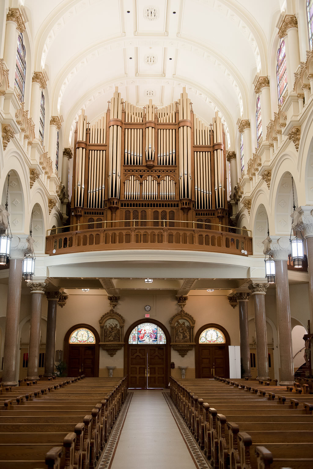 Downtown Tampa Traditional Wedding Ceremony Venue Sacred Heart Catholic Church