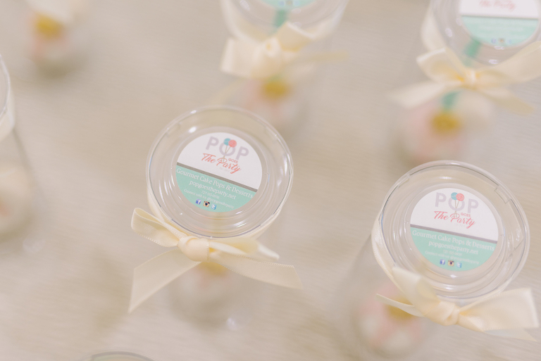 Wedding Dessert Food Favors | Tampa Bay Cake Pop Baker Pop Goes the Party | Clearwater Beach Wedding Photographer Kera Photography