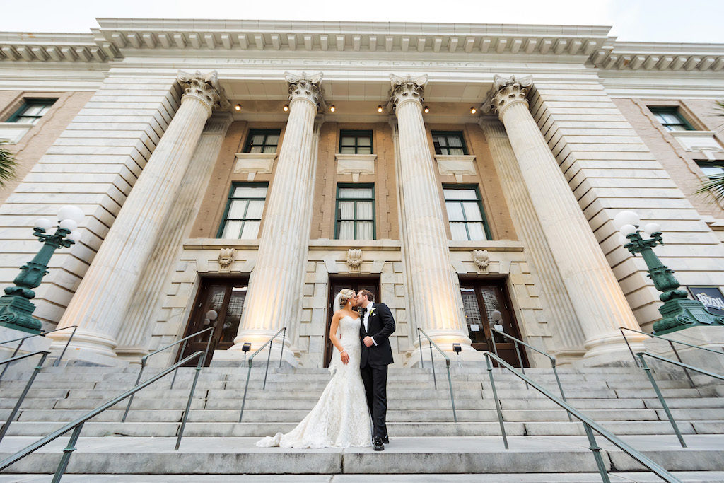 Outdoor Bride and Groom Wedding Ceremony on Front Steps of Historic Courthouse | Downtown Tampa Hotel Venue Le Meridien