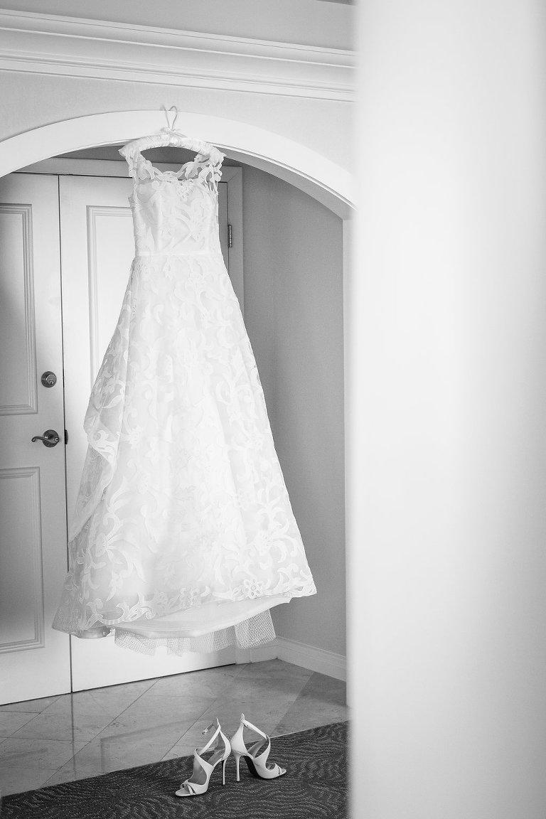 Oscar De La Renta A-Line Wedding Dress with Lace Detail