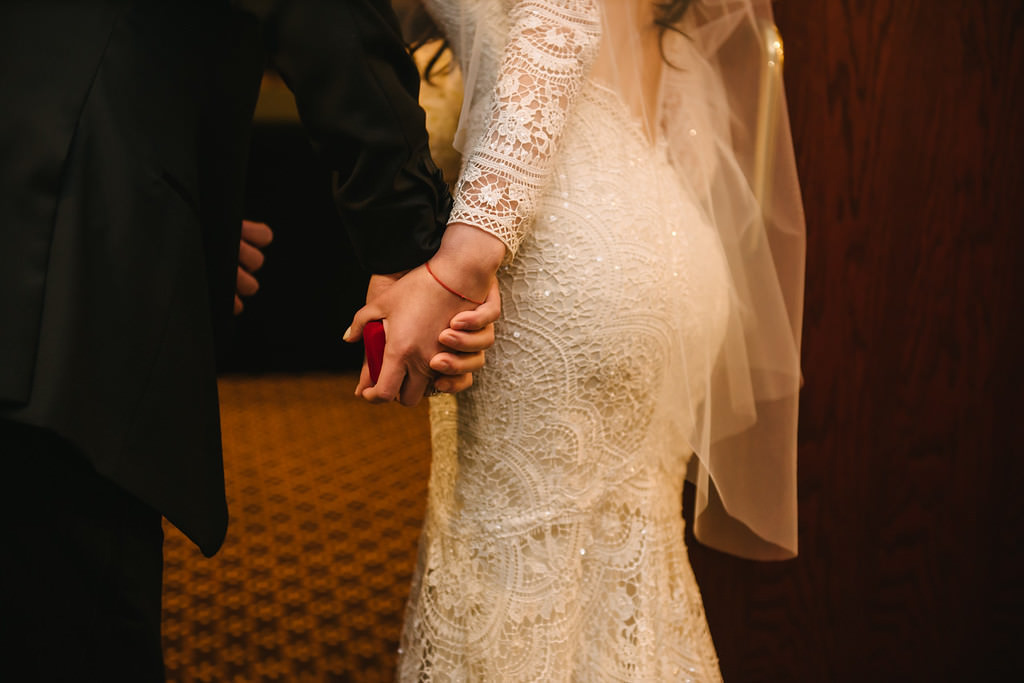 Traditional Wtoo Lace Wedding Dress
