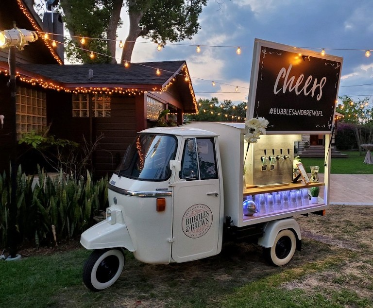 Get Cozy | Tampa Bay Mobile Champagne Cart