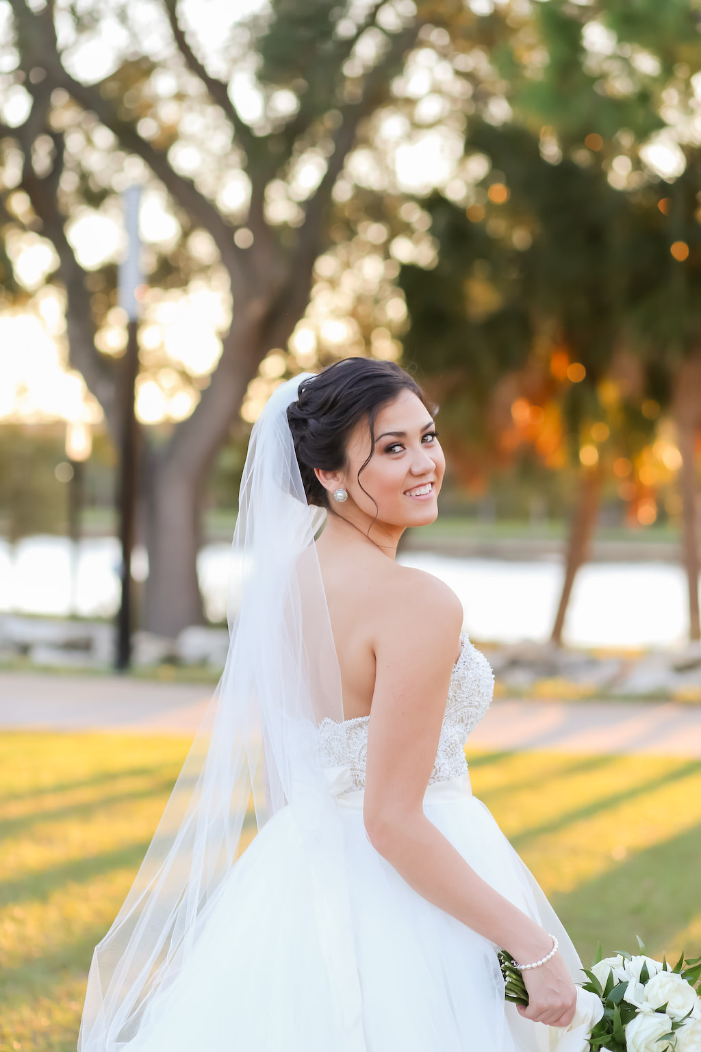 Florida Outdoor Bride Wedding Portrait   Downtown Tampa Wedding Photographer Lifelong Photography Studios