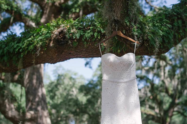 Strapless Lace Sweetheart Neckline Wedding Dress