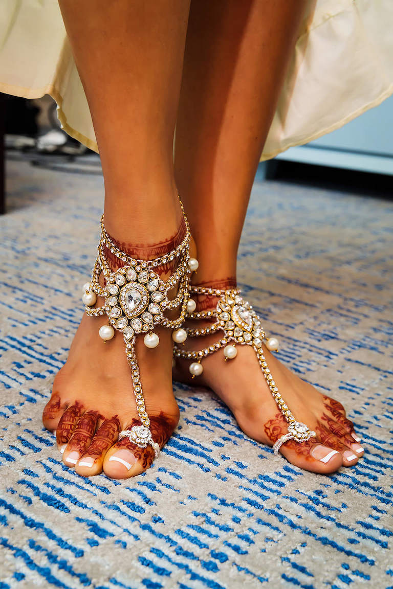 Florida Indian Bride Wedding Foot Accessories, Pearl and Rhinestone Ankle Jewelry and Indian Henna Tattoo