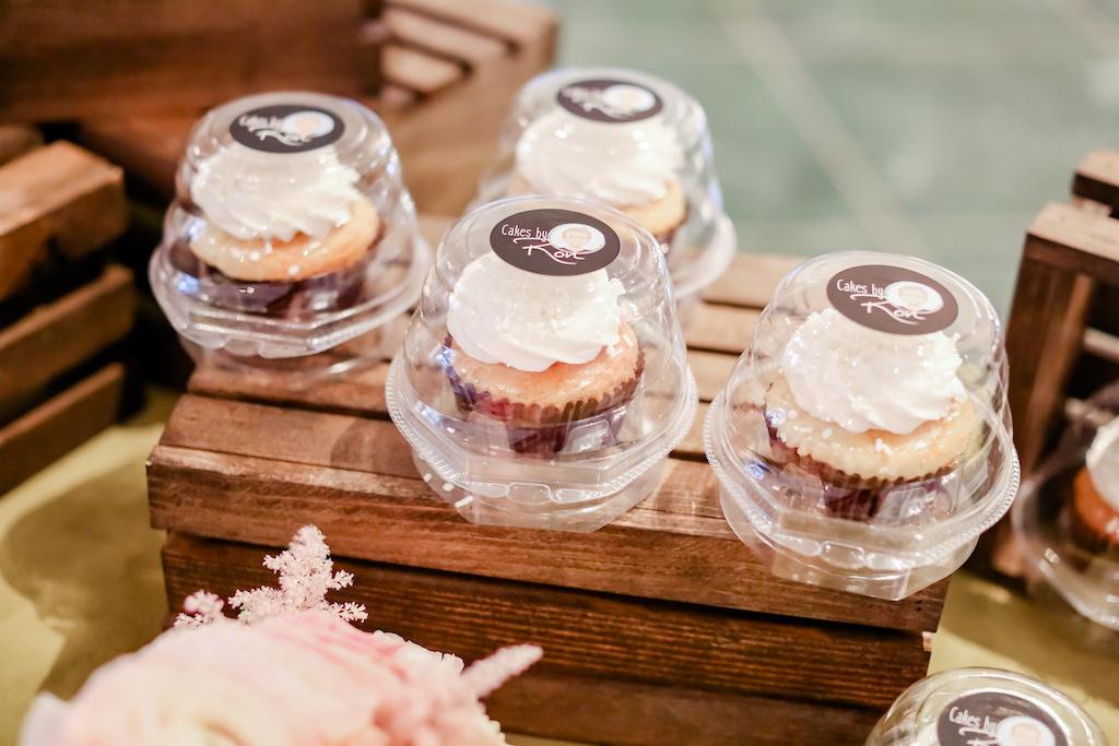Individual Wedding Favor Cupcakes, Cakes by Ron   Tampa Bay Wedding Photographer Lifelong Photography Studios