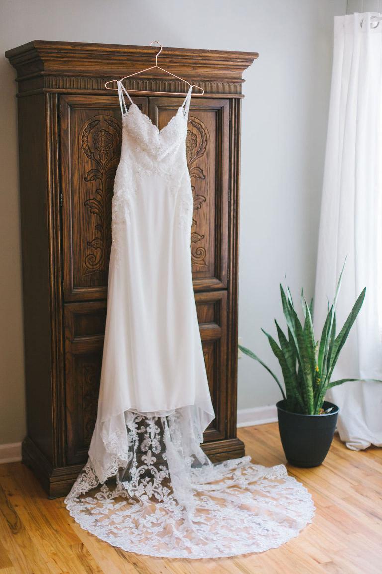 Elegant and Classic Spaghetti Strap V Neckline Lace Wedding Dress | Tampa Bay Wedding Photographer Kera Photography | Wedding Dress Shop Truly Forever Bridal