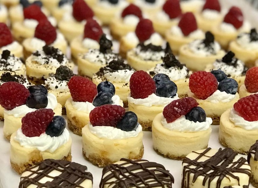 Mini Cheesecakes | Tampa Bay Wedding and Event Catering Company | Lynn's Catering