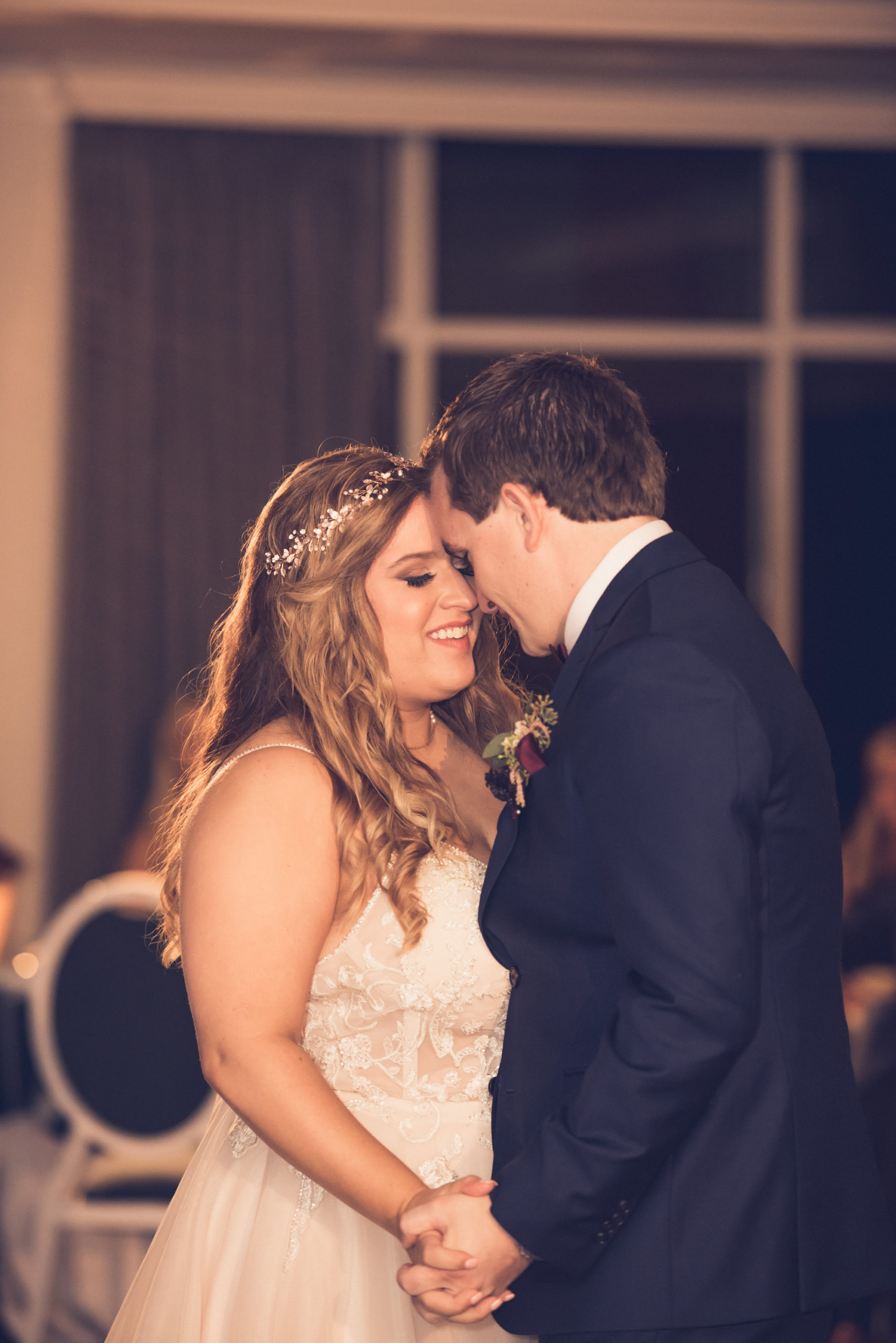 Romantic Bride and Groom First Dance Wedding Portrait | Wedding Photographer Luxe Light Images