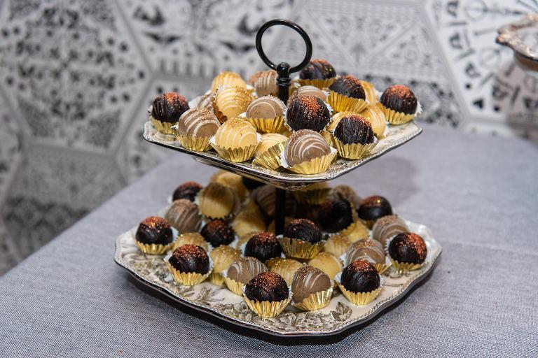 Edible Glitter Bon Bon Favors and Dessert by The Artistic Whisk