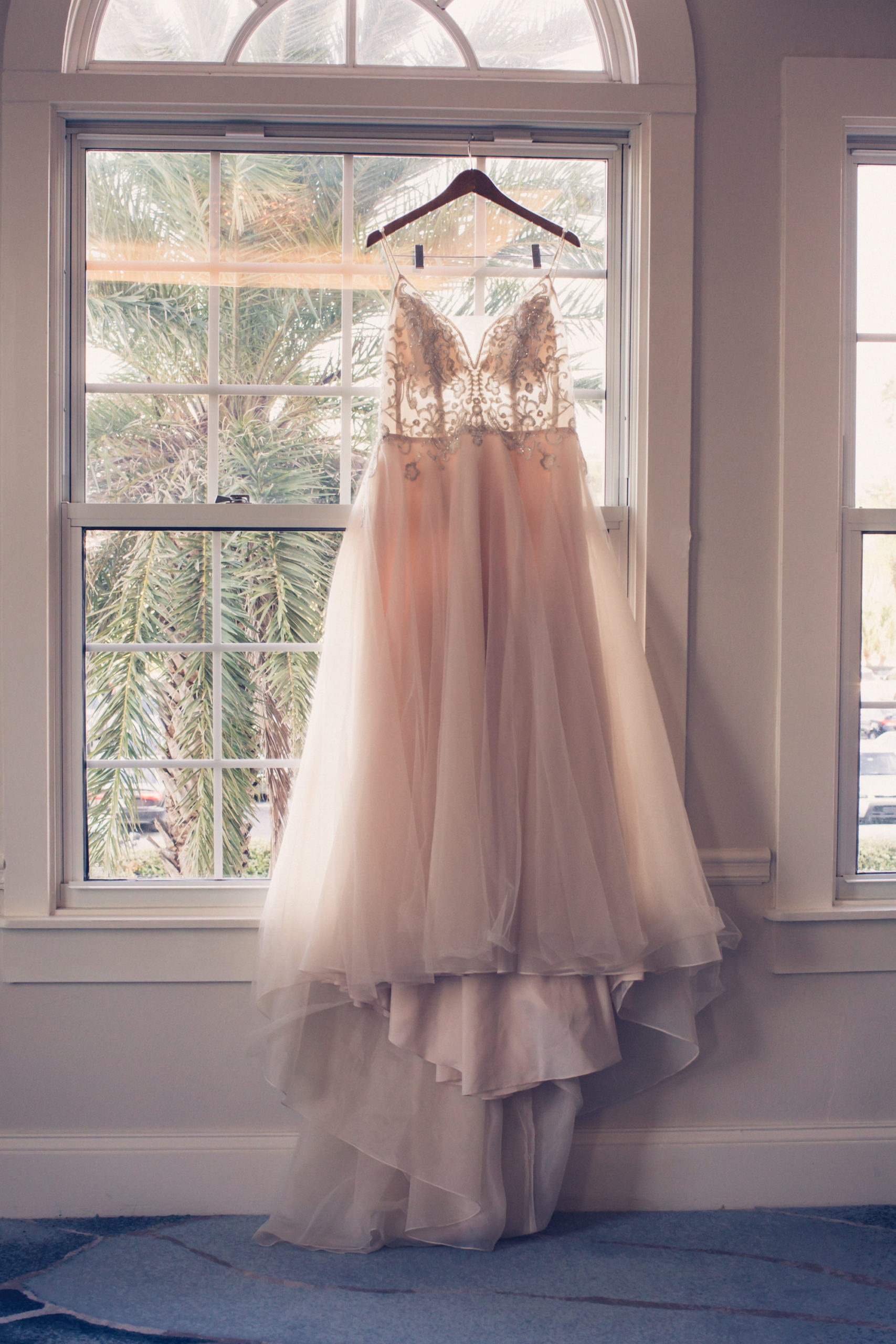 Lace and Illusion V-Neck Spaghetti Straps Bodice, Tulle Skirt Wedding Dress | Wedding Photographer Luxe Light Images