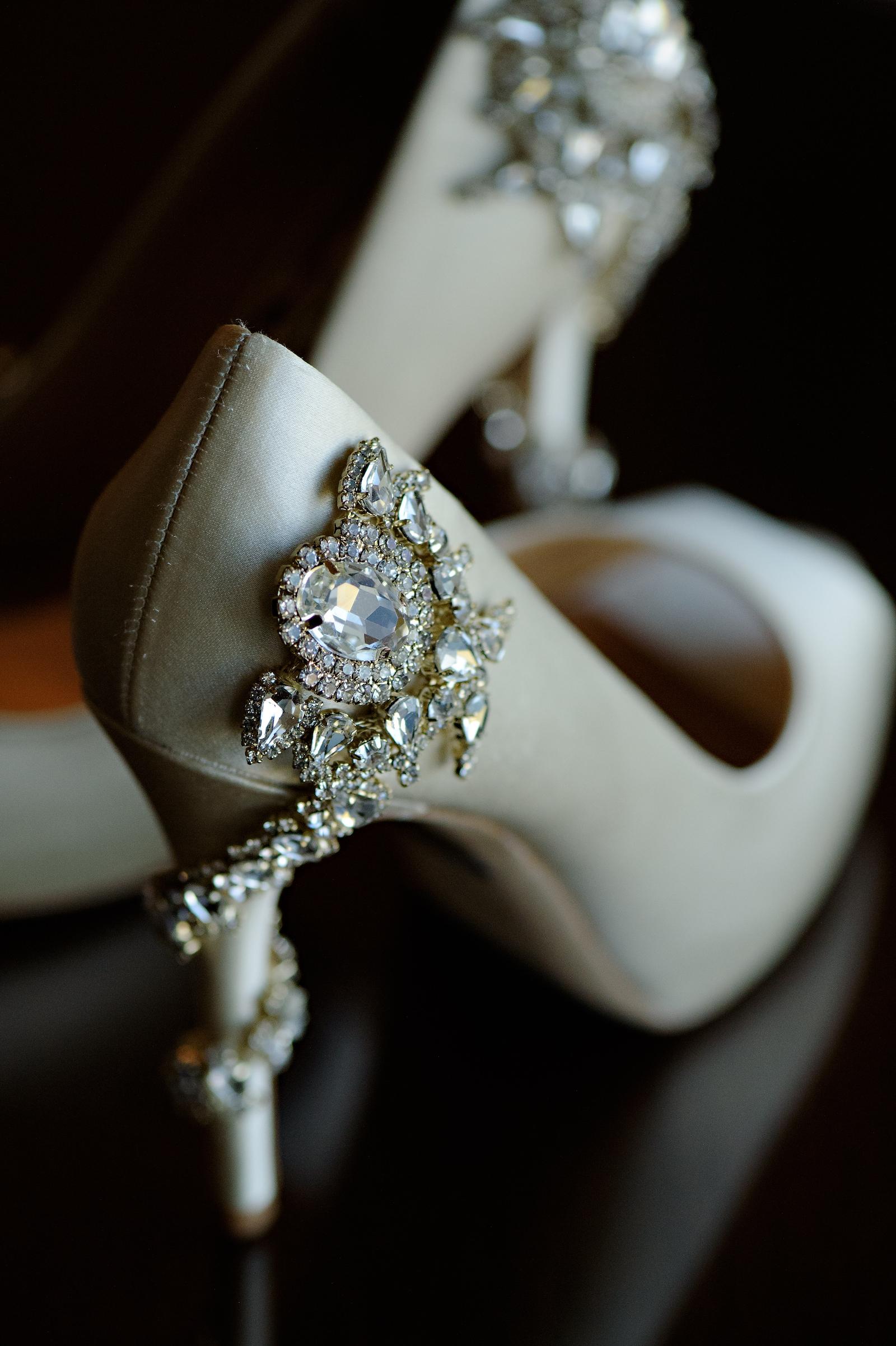 Elegant Bridal White Satin High Heel Wedding Shoes with Rhinestone Embellishments