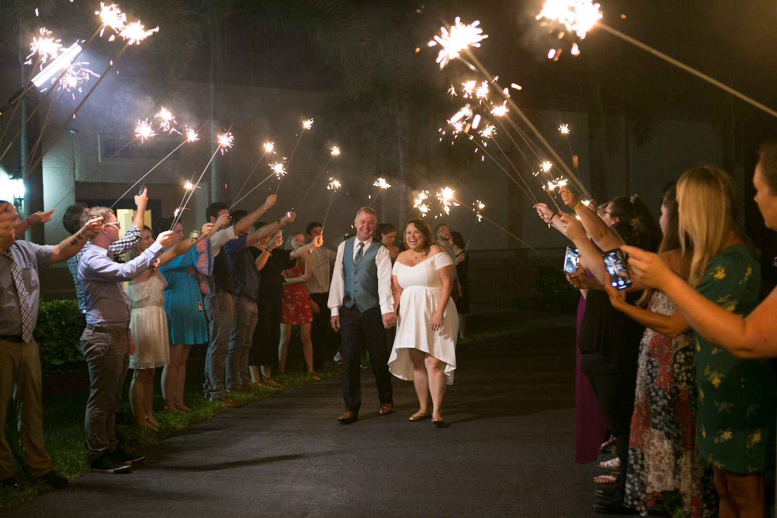 Tampa Bride and Groom Sparkler Wedding Reception Exit | Wedding Photographer Carrie Wildes Photography