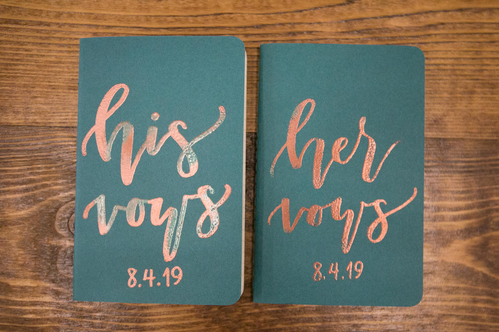 His and Hers Green Wedding Vows Booklets | Wedding Photographer Carrie Wildes Photography