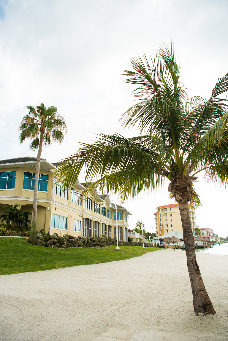 Destination Tampa Bay Beachfront Wedding Venue Isla Del Sol Yacht and Country Club | Florida Wedding Photographer Caroline Thomas Photography
