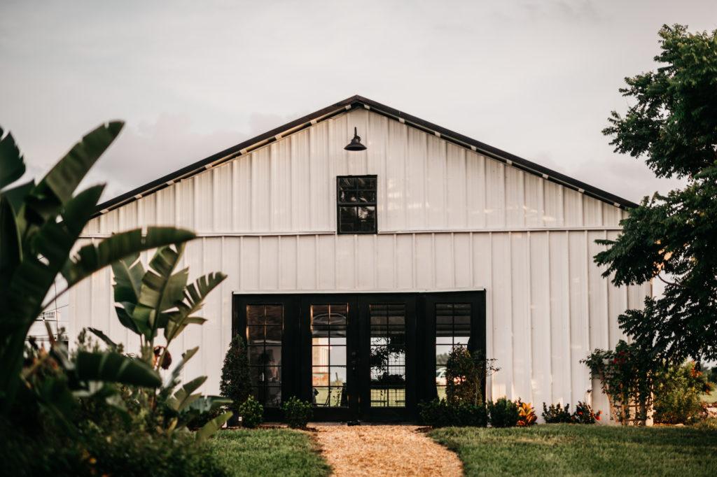 The Lake Lodge Wedding Venue | Lake Thonotosassa Tampa Area Wedding Venue