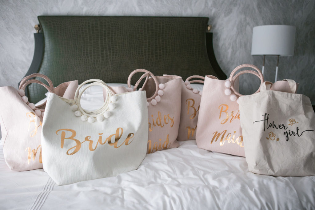 White Bride and Blush Pink Bridesmaids Tote Bags Gifts for Bridal Party | Tampa Bay Wedding Photographer Carrie Wildes Photography