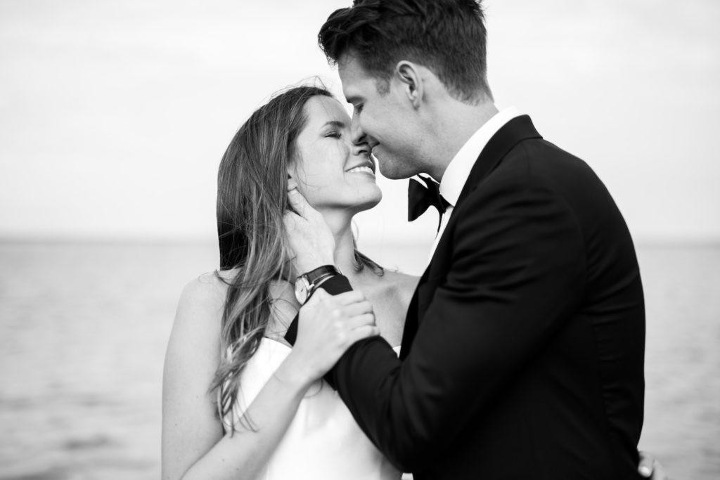 Black and White Wedding Portrait of Bride and Groom Kissing | Tampa Bay Wedding Photographer Kera Photography | Wedding Hair and Makeup Femme Akoi Beauty Studio