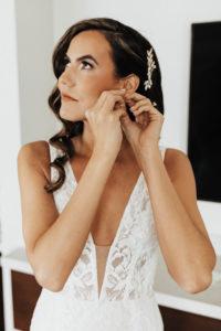 Timeless Wedding Hair and Makeup Ideas | Loose Curls Bride's Hair Down | Femme Aoki